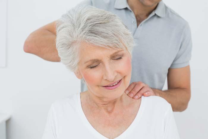 neck and shoulder massage for fibromyalgia