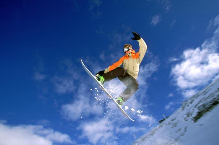 winter sports snowboarding