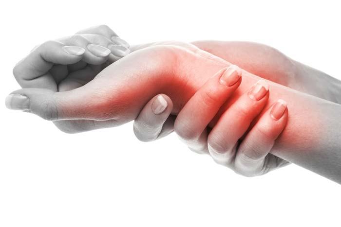 wrist-pain-adobestock_77467231